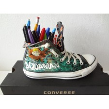 MEN'S SIZE 5 AQUAMAN HIGH TOP ONE SHOE ONLY