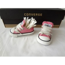 TODDLER 2 PINK LOW TOP ONE SHOE ONLY
